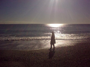 Di spalle al mare