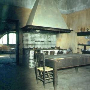 la cucina della casa di Lino Catello Pagano a Chiaia di Luna