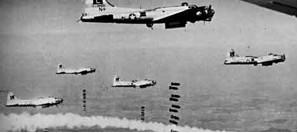 Bombardieri americani B-17 in azione sui cieli italiani