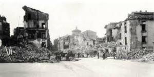 Uno scorcio del quartiere romano di S. Lorenzo dopo il bombardamento del 19 luglio '43