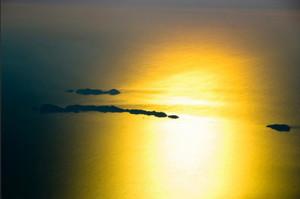 Alba sulle Ponziane. Foto da Flickr