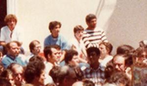 Con la maglia a strisce Domenico Musco, al centro di profilo Mercurio e Adriana