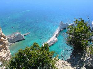Palmarola. Punta Vardella e cala Brigantino.1
