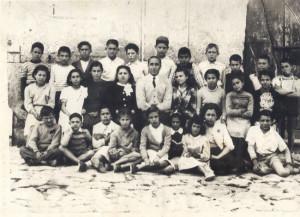 Il Maestro Totonno Scotti con la sua classe del 1950