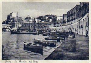 Ponza. La Banchina del Porto