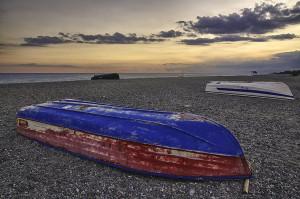 Barche rovesciate a fine estate.11