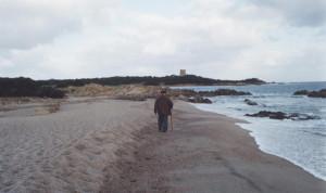 Costantino lungo la spiaggia copia