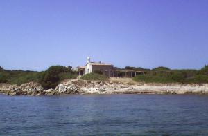 La Chiesetta di Vignola vista dal mare