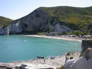 5. Ponza Frontone. Veduta della spiaggia