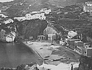 Giancos fronte spiaggia. Antica foto