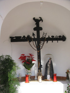 L'interno della cappella della salita Croce