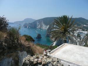 Il panorama dal versante orientato verso il porto
