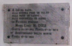 Targa a Mons Dies al Cimitero di Ponza