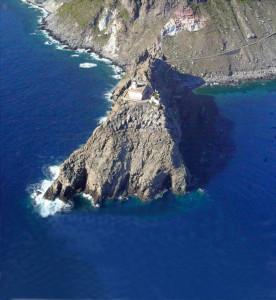 Il Faro della Guardia di Ponza dall'alto e dal mare copia