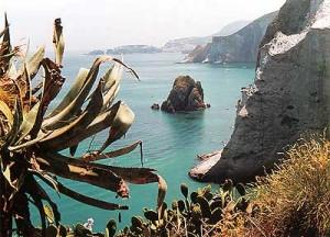 isole-pontine-isole-ponziane-cala-inferno