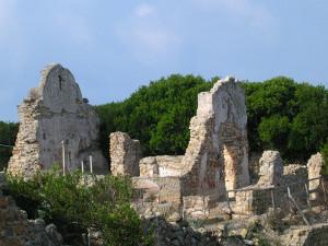 Zannone Ruderi del Monastero copia