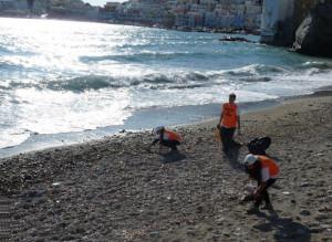 Pulizia spiaggia Giancos.2