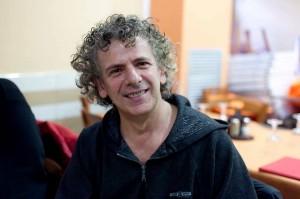 Ignazio Fresu- nato a Cagliari, vive a Prato