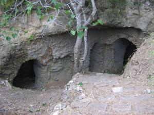 2. Grotta serpente.1. Accesso
