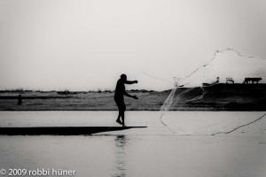 Mali. Huner 2009. Pesca