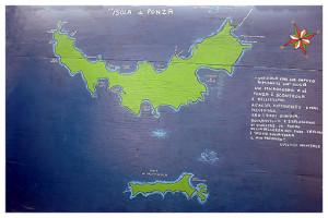 Isola scontrosa e bellissima di Giuseppina Aprea