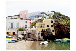 La spiaggia si apre all'estate di Benedetta Villone per Ike