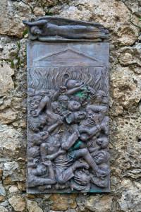 Bassorilievo dell'eccidio di Santanna di Stazzema