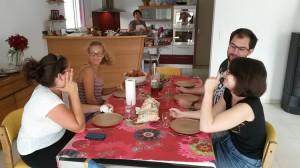 I giovani D'Arco sono molto contenti di un piatto di spaghetti con fellone e astice