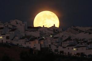 La super-luna del 12.07.2014 ad Olvera. Spagna