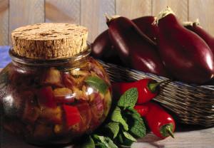 Melanzane e peperoncini. Vasetto