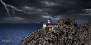 Faro della Guardia con lampi foto di Giancarlo Giupponi
