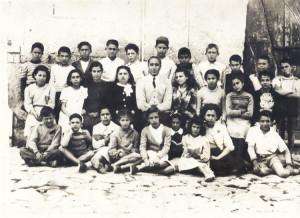 Il-Maestro-Totonno-Scotti-con-la-sua-classe-del-1950