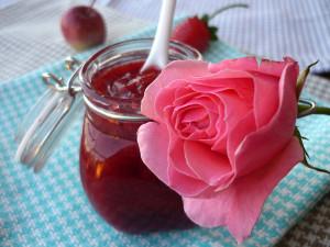 Marmellata-di petali di rose