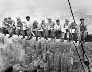 Charles Ebbets.  Pranzo in cima a un grattacielo