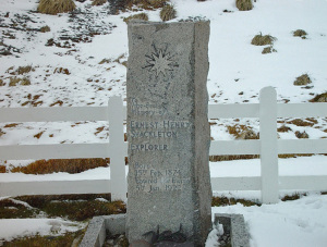 Stele funeraria di Shackleton in Grytviken. South Georgia