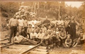 Foto d'epoca di lavoratori della ferrovia del West Virginia