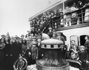 Immigranti a Ellis Island. Pronti allo sbarco