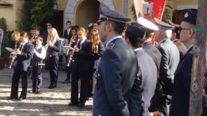 Banda all'uscita del portone del Municipio per il 4 Novembre