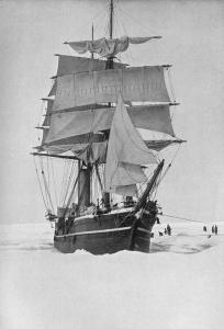 La nave Terranova in Antartide