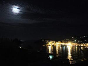 Ponza e la Luna.3. Resized