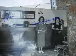 la biglietteria Span nel 1956;  da sin: Luigi Ambrosino, Giuseppina e Luisa Regine