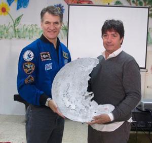 Astronauta con luna ponzese