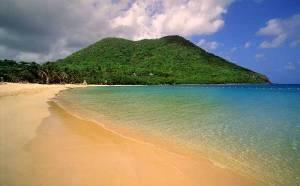 Vedute dell'isola di Santa Lucia. A beach