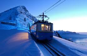 in treno con la neve