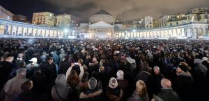 L'abbraccio di Napoli a Pino Daniele