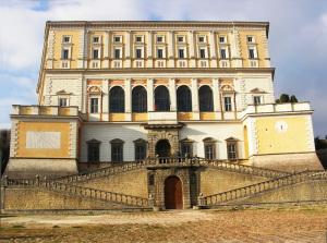 Palazzo Farnese a Caprarola Facciata ant.