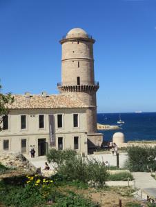Tour St. Jacques. Mare. Ingresso Vieux Port