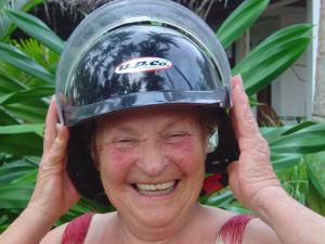 Zia Iole col casco
