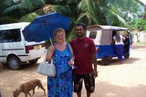 Zia Iole con Summith.2. Il tuk-tuk