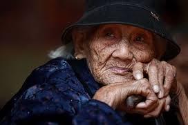 anziana cinese